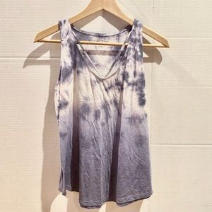 Cloudy Blue and White Mudd Tank Top (S)